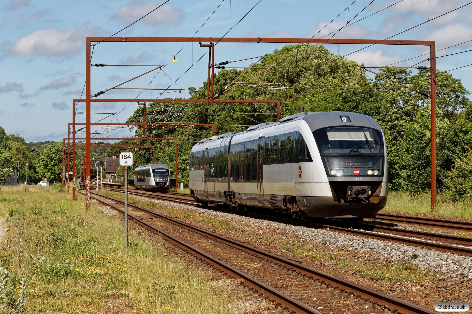 DSB MQ 23 som RV 2724 Fa-Od og MQ 26 som RV 2729 Od-Fa. Årup 14.06.2020.