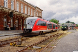 DSB MQ 53 som RV 2857 Svg-Od og MT 152 med PP 8459 Svg-Od. Svendborg 05.08.2001.
