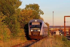 DSB MQ 16 - Materiel fra RV 2861 Svg-Od - vender på havnebanen. Odense 02.10.2015.
