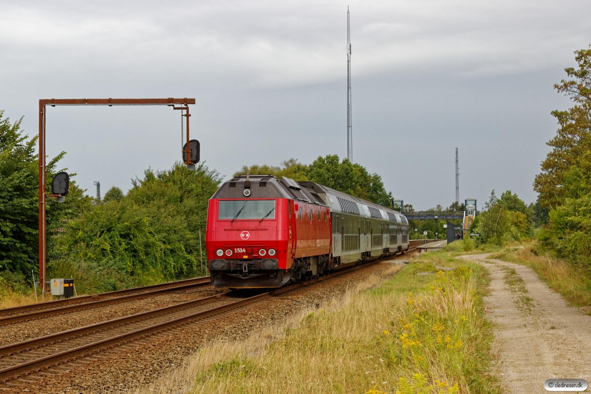 DSB ME 1514 med RØ 1820 Næ-Kk. Glumsø 15.08.2019.
