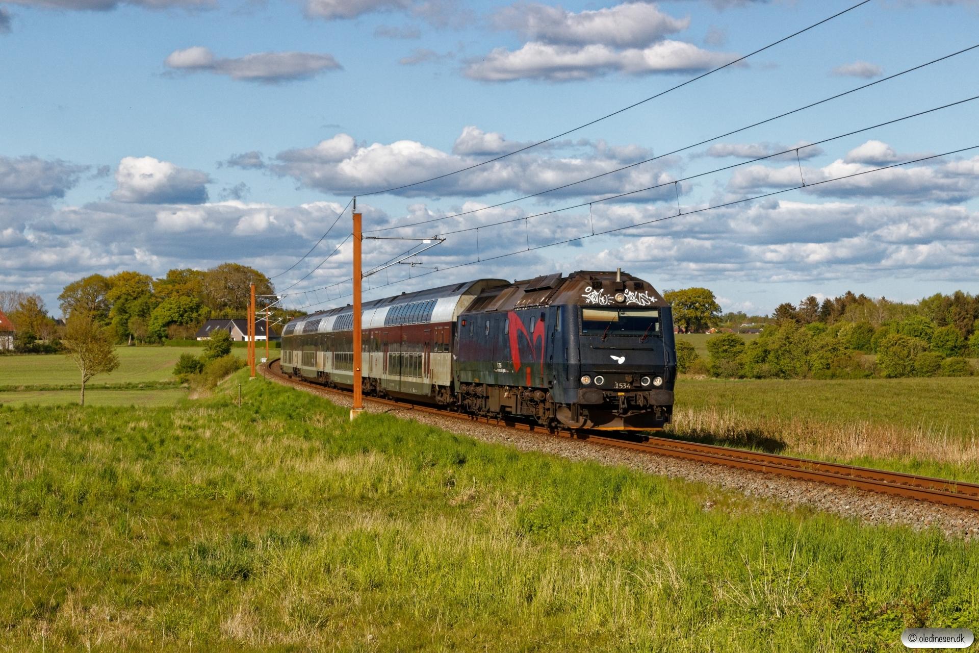 DSB ME 1534 med RØ 4865 Kj-Nf. Km 77,8 Kh (Haslev-Holme-Olstrup) 14.05.2020.