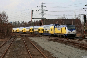 MET 246 006-1 med ME 39420. Hamburg Unterelbe 25.03.2010.