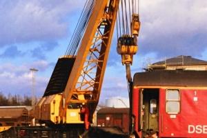 DSB A 007 sporsættes (IC 129 afsporet). Nyborg 31.03.1989.