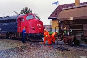 DSB Tdgs 21 86 574 0 178-0 afsporet på havnen. Odense 01.08.1989.