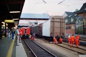 DSB Hios-tv 023+Hbillns 026 afsporet. Odense 15.08.1995.