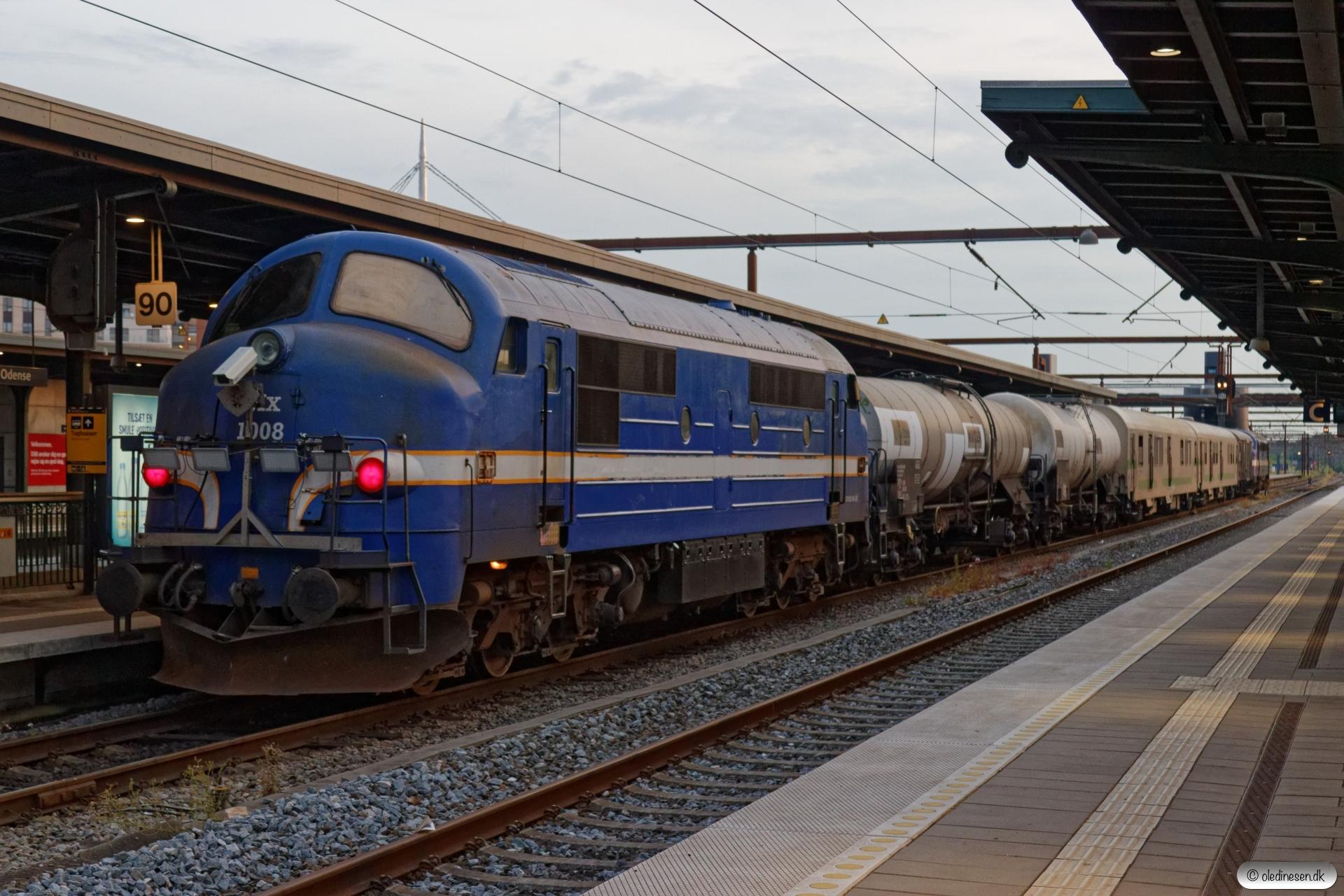 CONTC MY 1153+Weedfree sprøjtetog+CONTC MX 1008 som BM 238713 Ro-Od. Odense 11.07.2019.