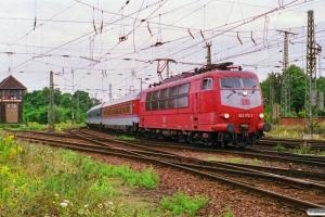 DB 103 172-3 med IR 1028. Magdeburg Hbf 11.08.2000.