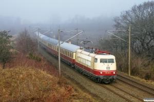 DB 103 235-8 med IC 2417. Flensburg-Weiche 23.01.2011.