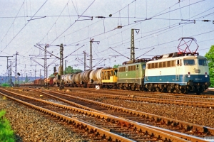 DB 110 329-0+140 577-8. Hamburg-Harburg 11.05.1990.