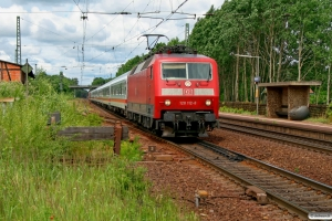 DB 120 112-8+8 vogne+101 055-2 som IC 1901. Radbruch 13.06.2008.