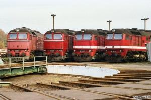 DR 120 313-2, 120 299-3, 120 018-7 og 120 145-8. Hagenow Land 16.10.1990.
