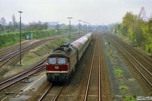 DR 132 547-1 med E 2034. Lübeck 31.03.1990.