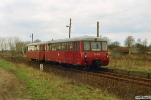 DR 172 122-4+172 722-1 som Tog 15357. Metzelthin 28.03.1991.