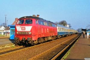 DB 218 122-0 med E 3725. Niebüll 13.10.1990.