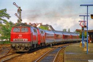 DB 218 174-1+218 102-2 med IC 787. Neumünster 07.10.1989.