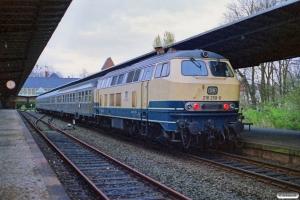 DB 218 259-0 med Tog 3144. Lübeck-Travemünde Strand 31.03.1990.