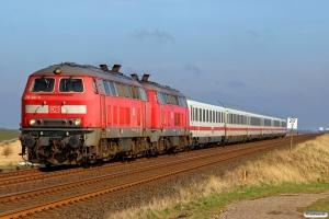 DB 218 341-6+218 313-5 med IC 2072. Klanxbüll - Morsum 26.03.2016.