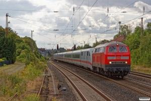 DB 218 810-0+DB ICE (808 024-4 bagerst). Banteln 13.08.2019.