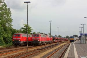 DB 218 362-2+218 311-9 med AS 1456, DB 218 836-5+218 359-8 med AS 1452 og NOB DE 2700-05 med materiel til NOB 81822. Niebüll 28.06.2014.