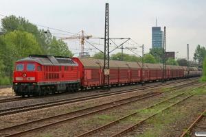 DB 233 616-2 med CSQ 60146. Hamburg-Unterelbe 30.04.2010.