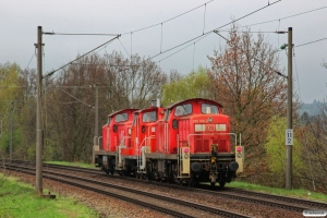DB 295 019-4+363 809-5+295 016-0. Hamburg-Moorburg 26.04.2013.