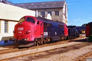 DSB MX 1039+K 564 afgår fra Odense 16.09.1988.