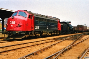 DSB MY 1117+D 826 med M 8337 Ro-Od. Odense 08.07.1989.