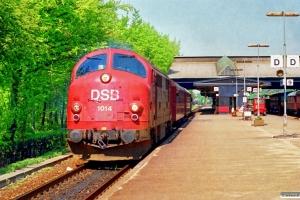DSB MX 1014+CL+CL+EH 6762 som M 8675 Fa-Es. Fredericia 05.05.1990.