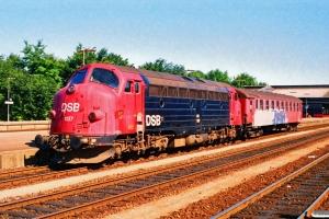 DSB MY 1137+Bgc 008 som P 8610 Fa-Kø. Fredericia 15.07.1990.