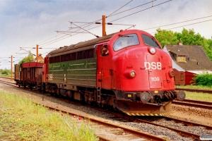 DSB MY 1139+E-vogn+EH 6762 rangerer. Marslev 04.06.1991.