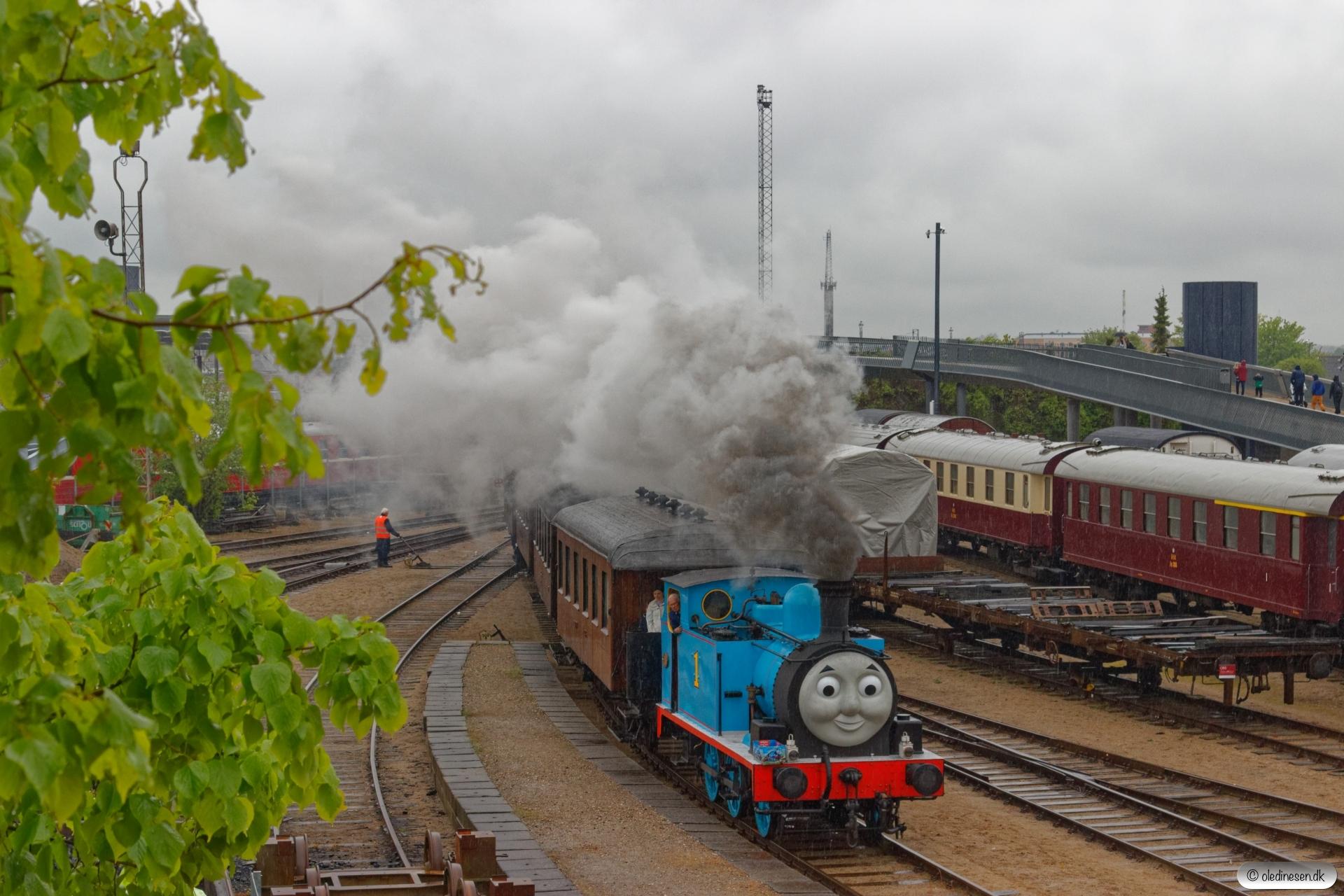 East Lancashire Railway Gothenburg 32+OMB C 16+KS C 3+TKVJ C 21+HHJ C 25. Odense 17.05.2019.
