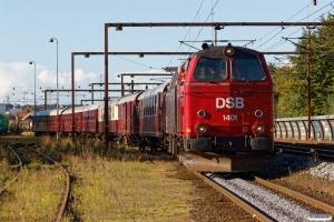 DSB MZ 1401 rangerer med VM 6304 Bm-Rd. Kolding 06.10.2017.
