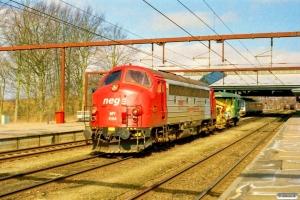 DJ MY 1154+Railservice Trolje 68+BLS Db-q som PM 6101 Fa-Pa. Fredericia 19.03.2006.