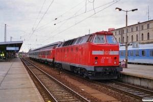 DB 219 108-8. Magdeburg Hbf 11.08.2000.