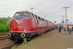 DB V 200 002+V 200 007+V 200 116. Puttgarden 24.05.2003.