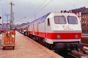 DB 240 002-6 med IC 827. Hamburg-Altona 10.08.1991.