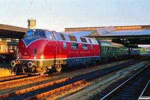 DB V 200 007+ABylb+BDylst som P 8681 Pa-Ab. Fredericia 20.07.1990.