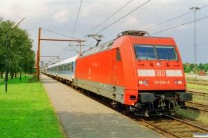DB 101 024-8 med IP 2185 Fa-Hannover Hbf. Padborg 01.08.2002.