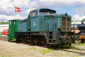 DSB MH 203 og Traktor 48. Randers 22.05.2004.