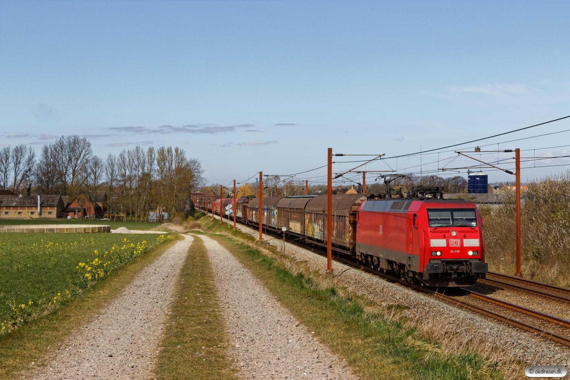 DBCSC EG 3109 med GD 44724 Pa-Mgb. Km 193,0 Kh (Gelsted-Ejby) 17.04.2020.