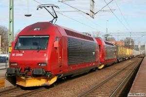 NSB El18.2248+El18.2256 med GT 49827. Trollhättan 17.04.2009.