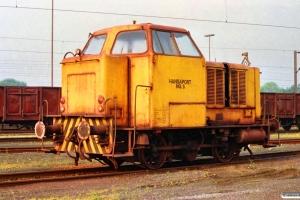 Hansaport Lok 5 (MaK 220021/1954). Hamburg-Altenwerder 11.05.1990.