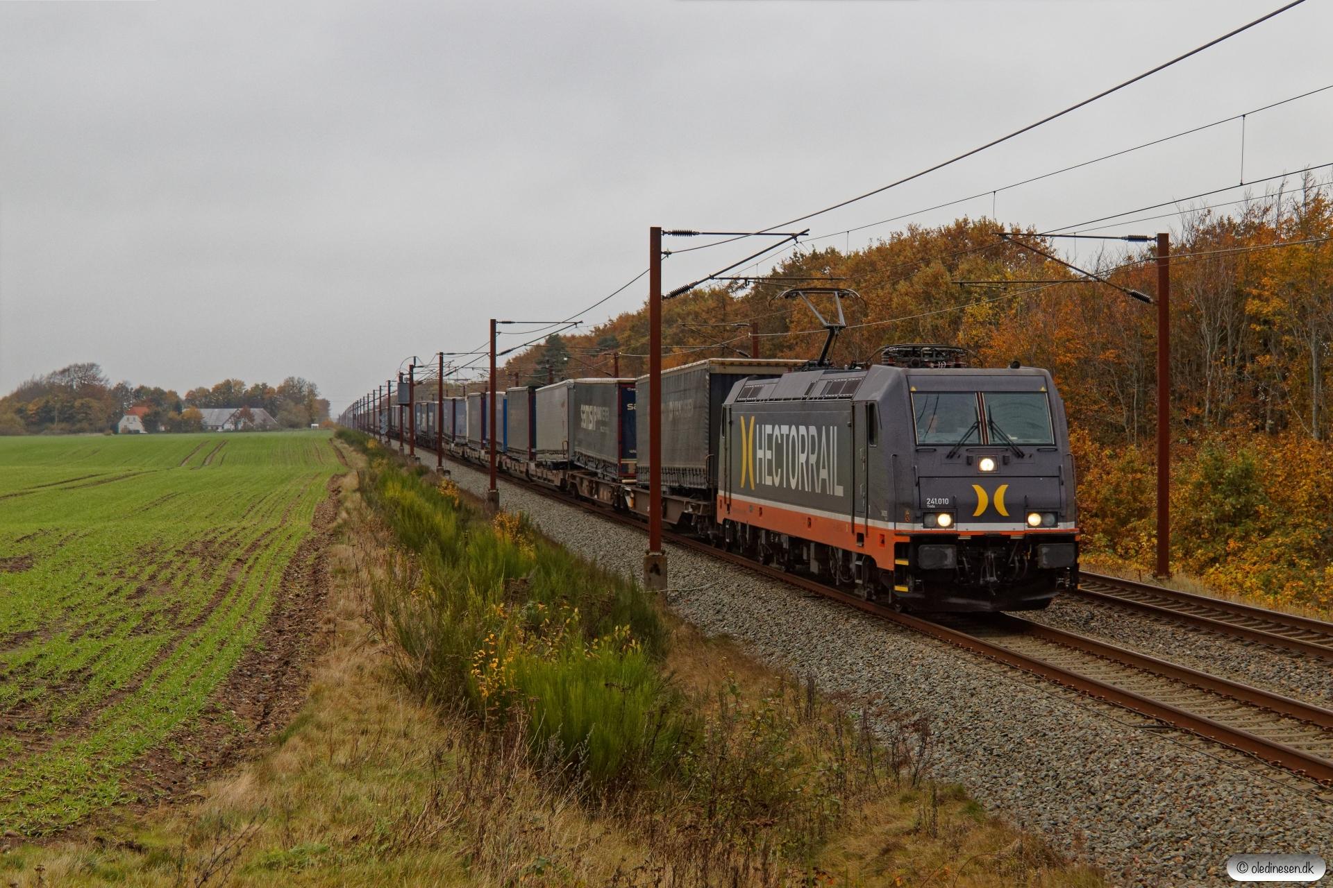 HCTOR 241.010 med HS 41043 Mgb-Pa. Km 57,4 Fa (Sommersted-Vojens) 31.10.2020.
