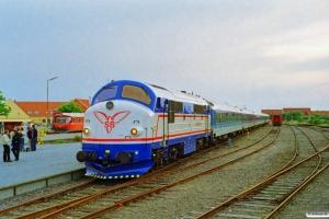 SB M 9+DB Bimdz+Bimz+Bimz+ARKimbz+Bimz+Bimz som Tog 506 Fh-Sgb. Skagen 27.06.1997.