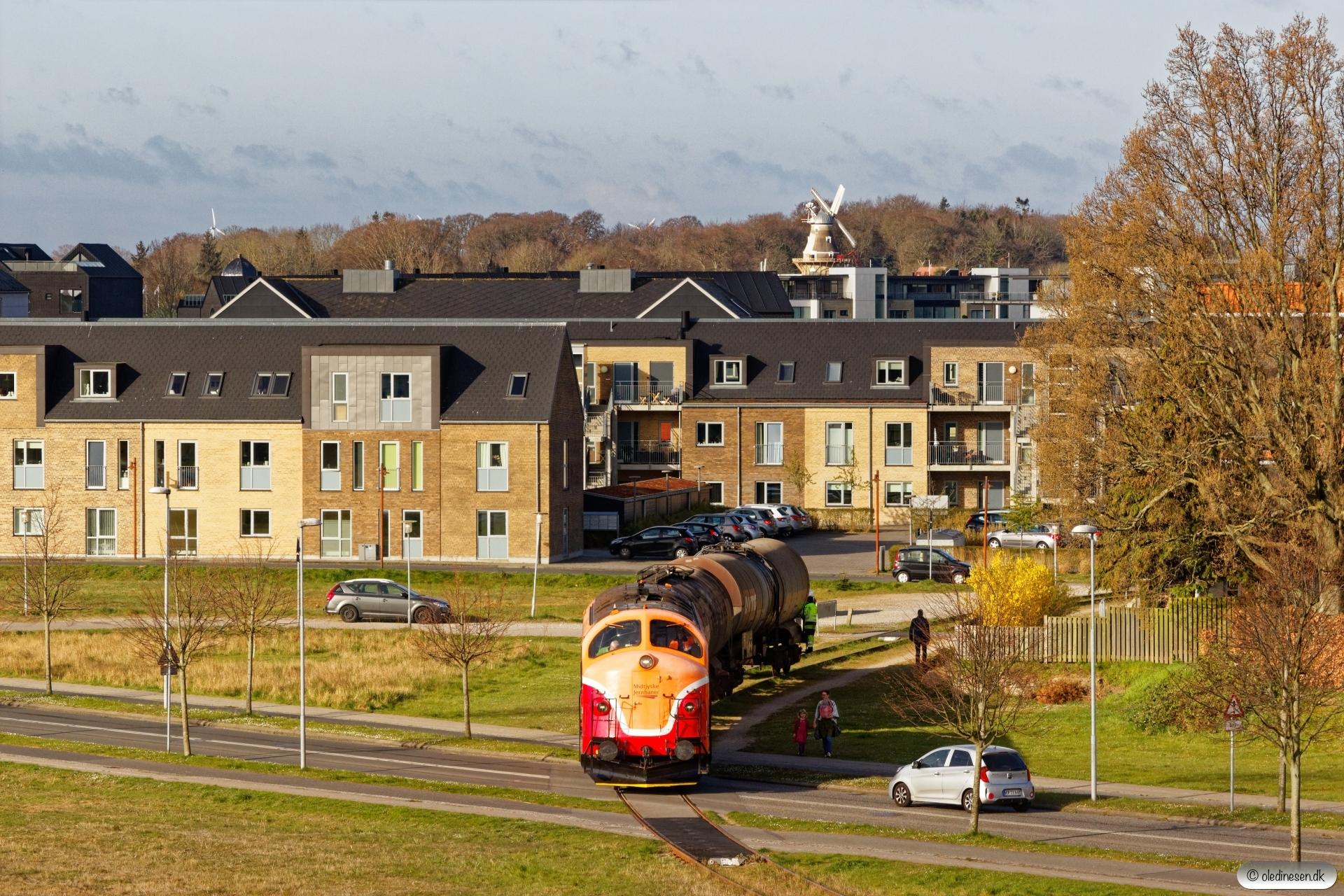 MjbaD MY 28+2 vogne til Koppers. Nyborg 16.04.2020.