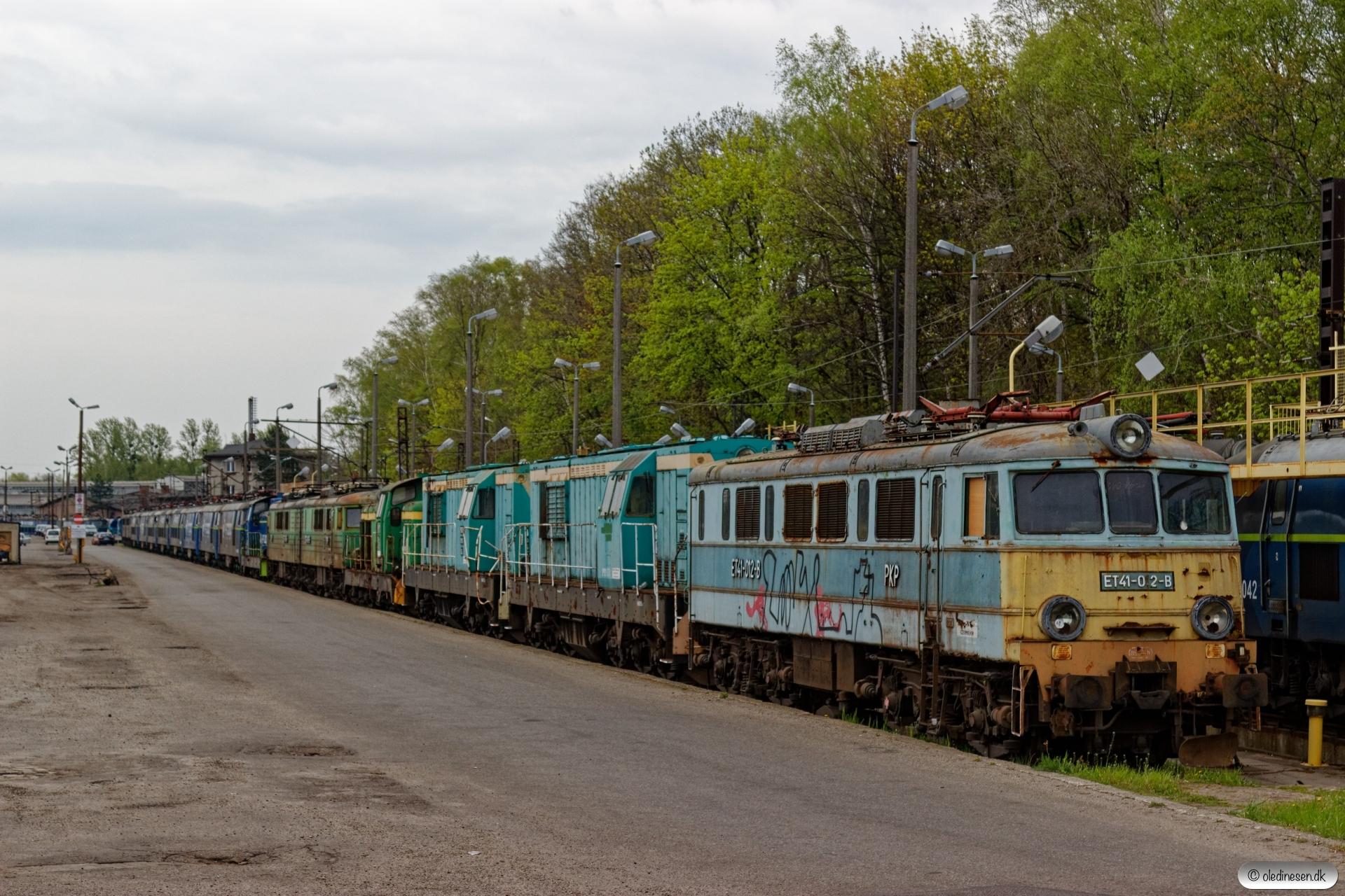 PKPC ET41-012, SM31-078, SM31-053, SM42-412, ET41-183, SM42-338 m.fl. hensat. Rybnik 23.04.2019 kl. 18.30.