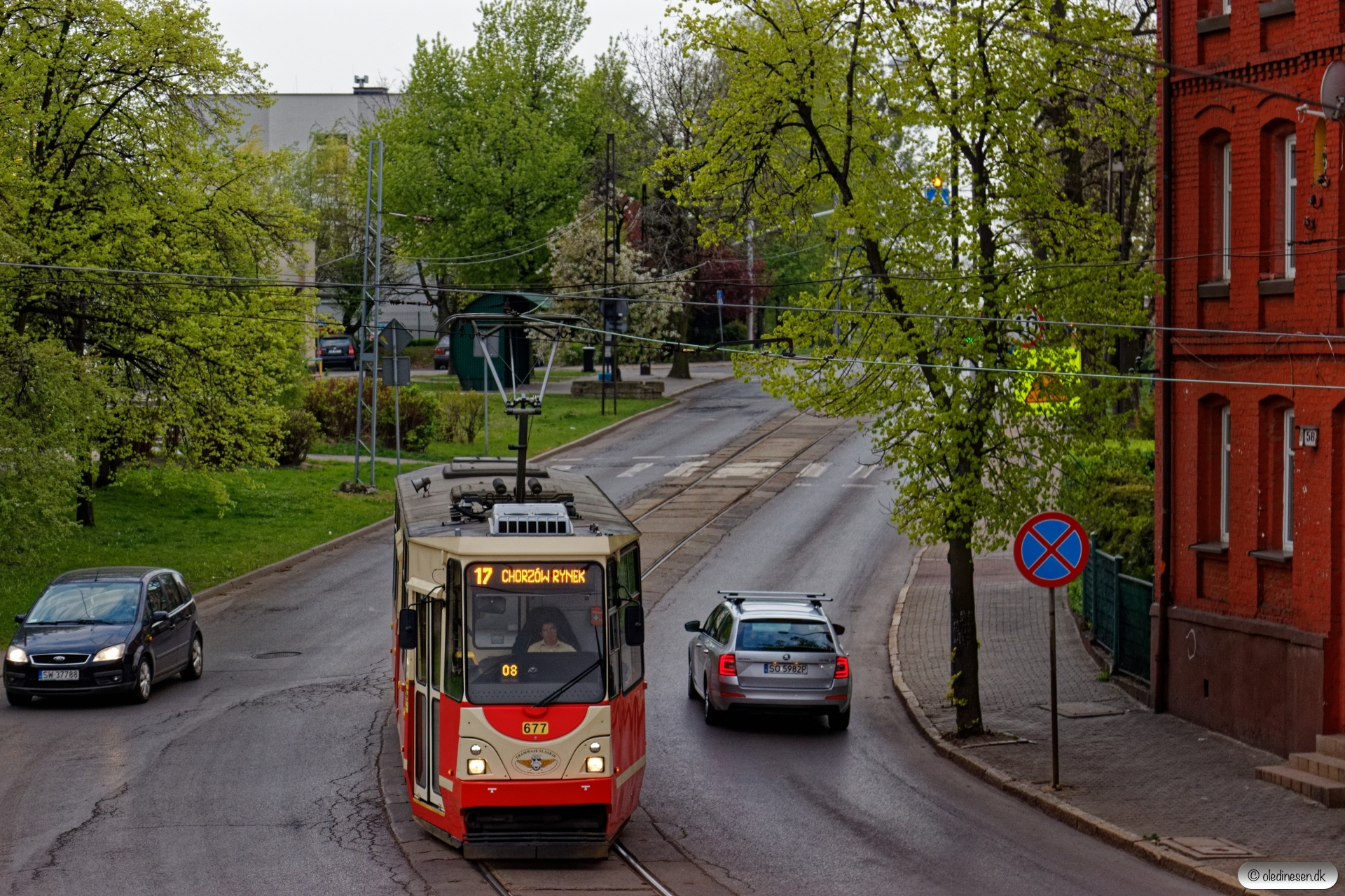Tramwaje Śląskie 677. Chropaczów 24.04.2019 kl. 06.48.
