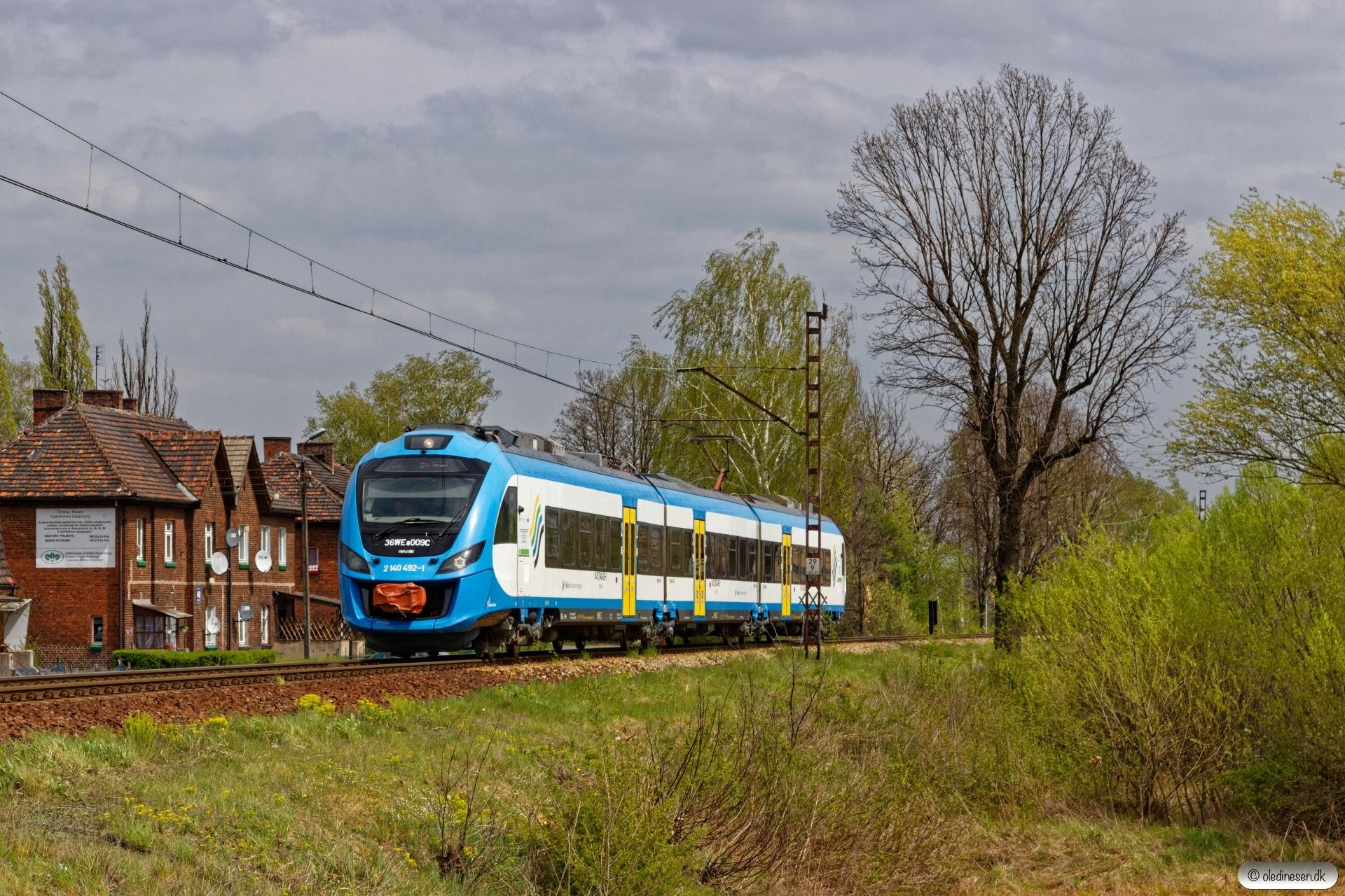 KSL 36WEa-009 som Os 44705. Czerwionka Dębieńsko - Leszczyny 24.04.2019 kl. 12.09½.