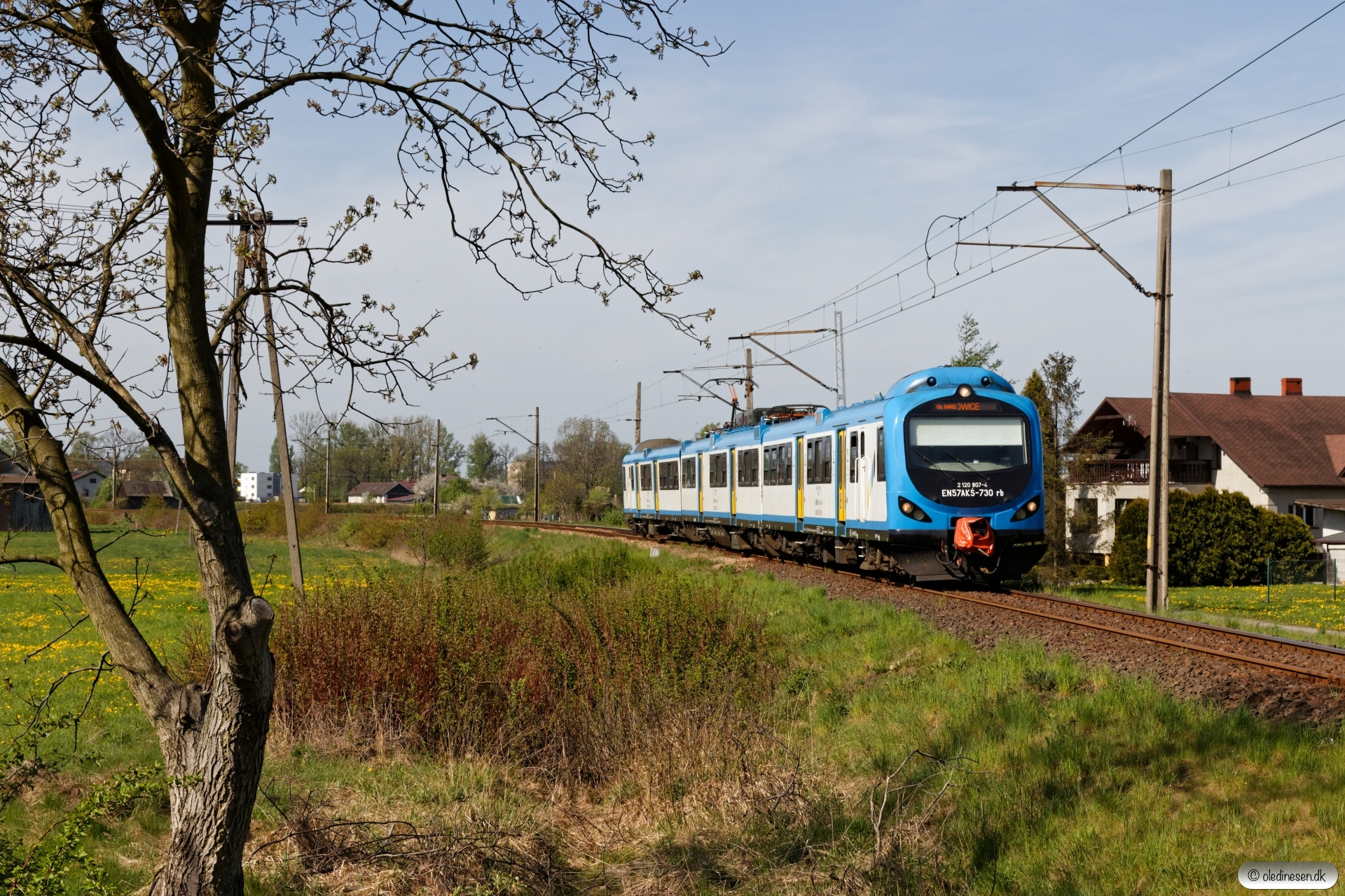 KSL EN57AKŚ-730 som OsP 94652. Chybie Mnich - Bronów 26.04.2019 kl. 09.53.