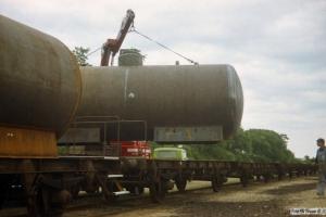Beholder til kommende KK-vogn monteres på undervogn. Marslev 14.08.1987.